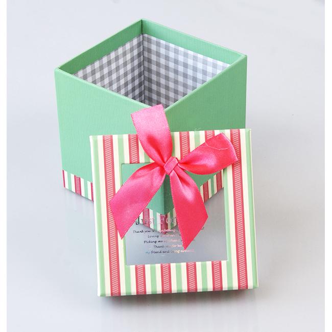 Подарочная упаковка и открытки с 744
